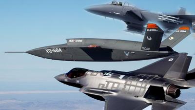 پهپاد XQ-58A با جنگندههایF-35 و F-15EX